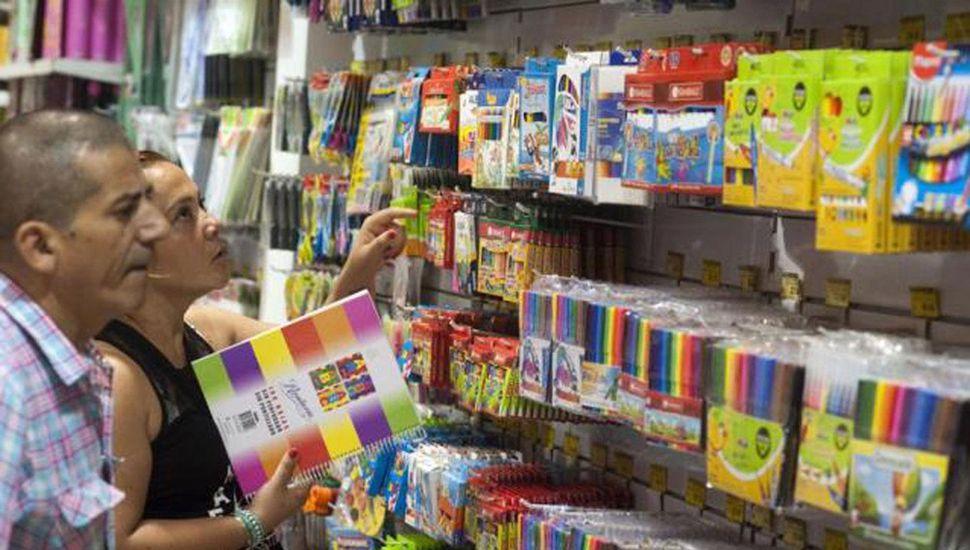 Llega a Junín la canasta  escolar del Gobierno con  Precios Cuidados