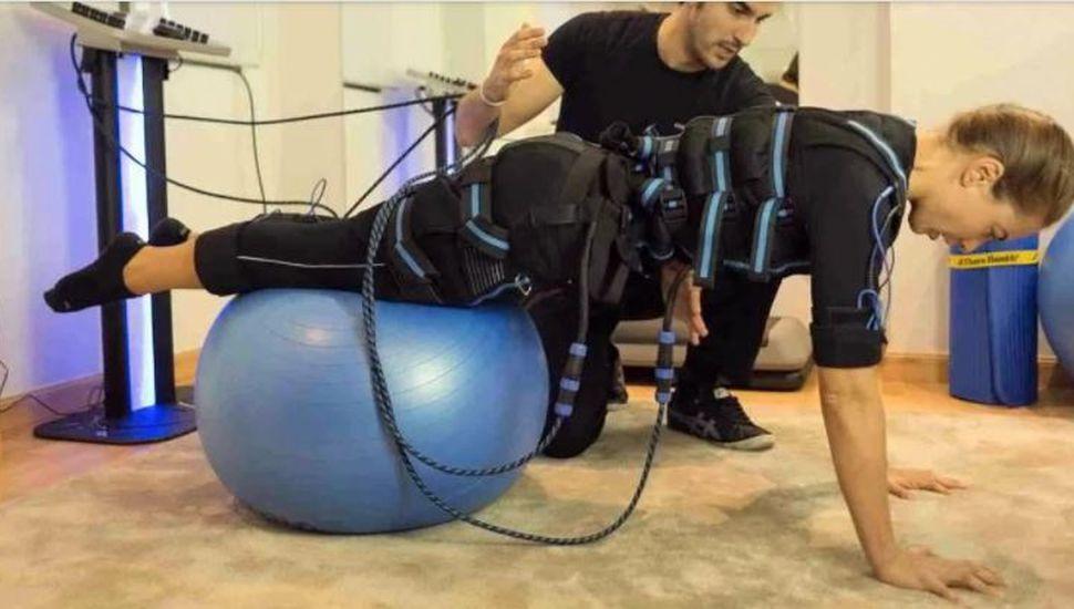 Una chica de 23 años está en terapia intensiva por practicar electrofitness