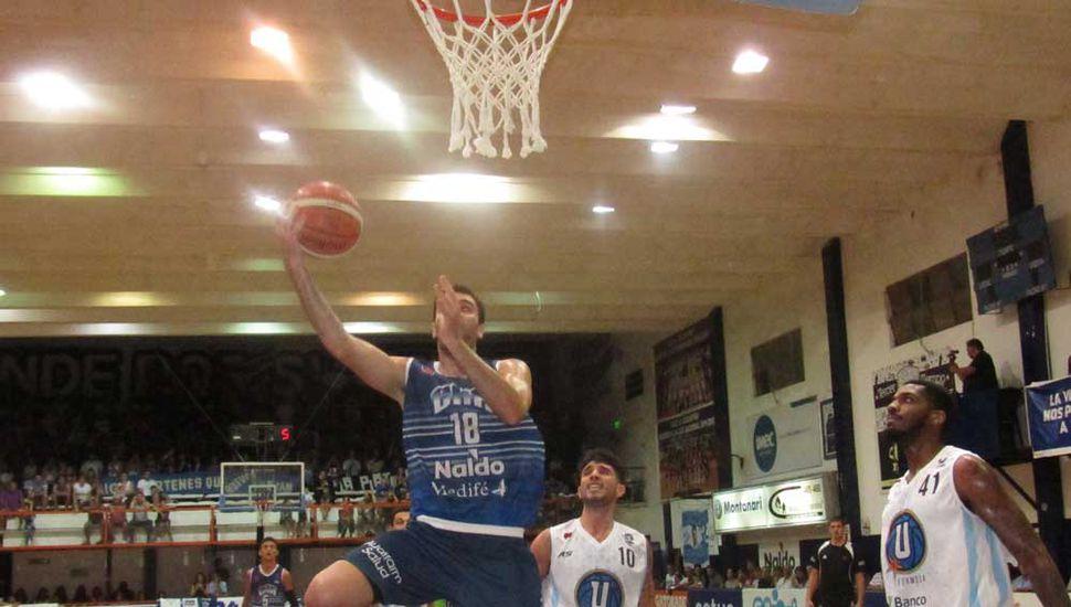Guido Mariani, figura de Argentino, llega al doble.