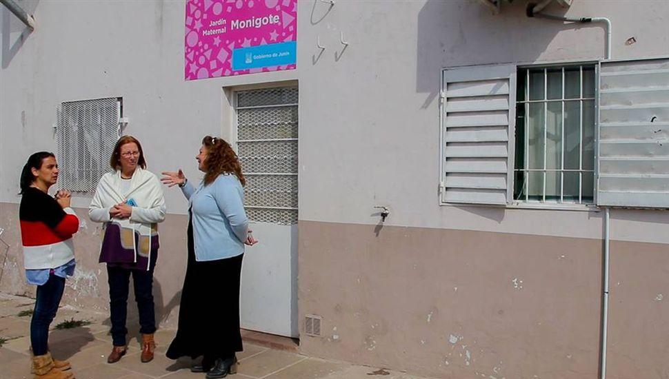 A partir del próximo lunes los 500 chicos, que asisten a los jardines maternales municipales recibirán el servicio de almuerzo y merienda.