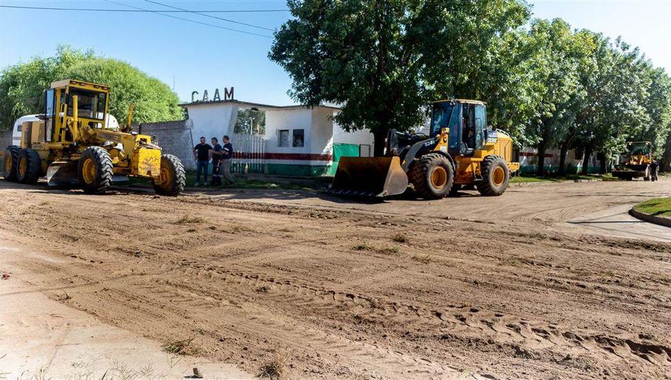 Arreglos y reparaciones de calles en diferentes barrios de la ciudad