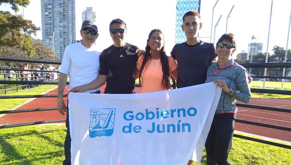 Jorge Básirico, Leonardo Frías, Marisa Guerra, Marcelo Frías y Adriana Calvo.