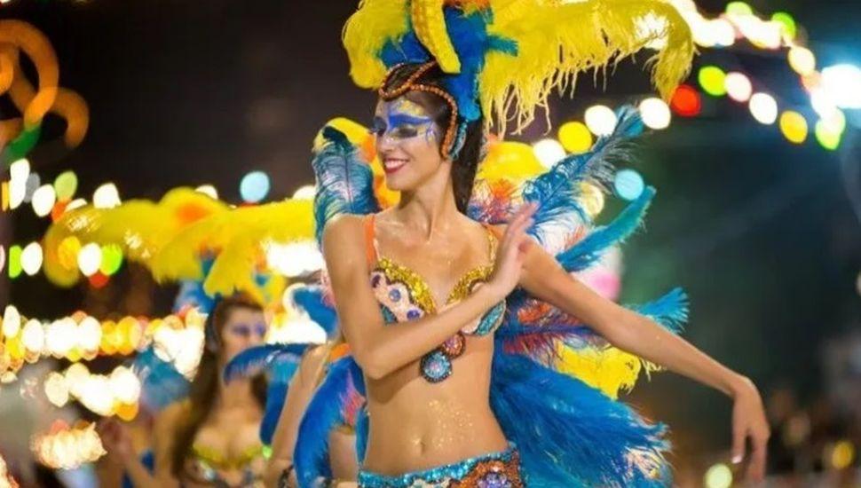 Roberts y Bayauca celebran el carnaval