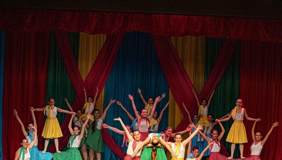Las bailarinas, en la muestra del cierre de año.