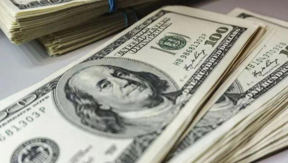 El dólar avanzó 55 centavos y cerró en $36,97, cerca del valor del inicio de mes