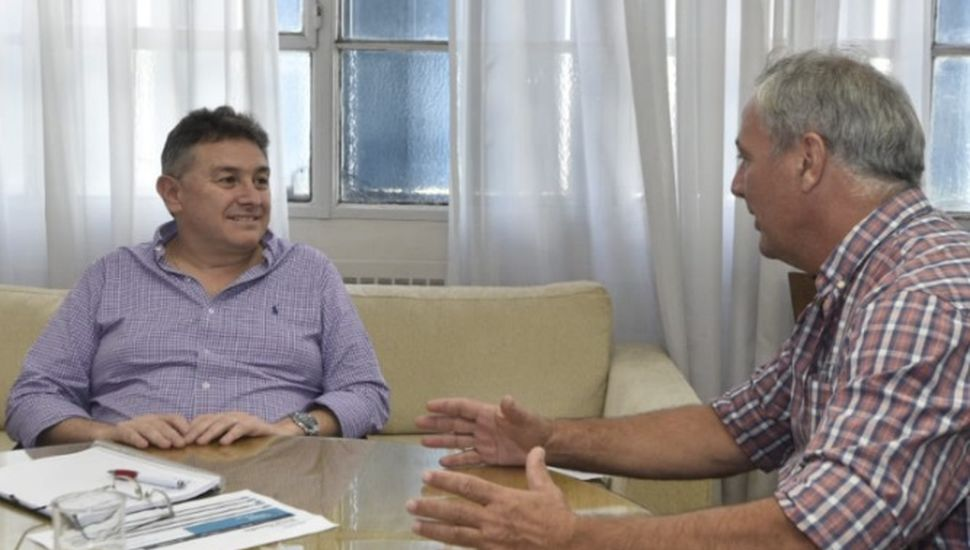 Se llevó a cabo una mesa de trabajo entre Jelinski y el intendente Rossi