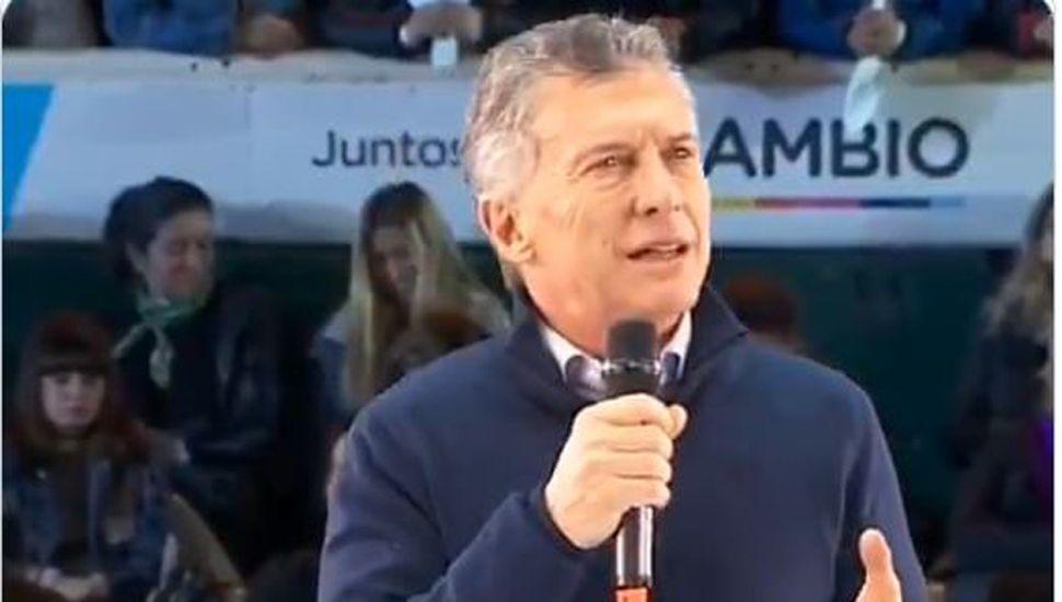 """""""¡No se inunda más, carajo!"""": Macri pasa de la euforia porteña al cierre en Córdoba"""