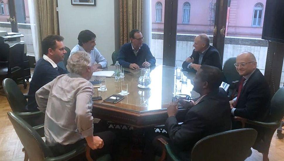 Funcionarios del Gobierno se reunieron con enviados del FMI