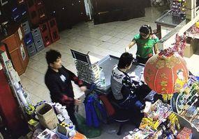Difundieron las imágenes de video del  triple crimen en el supermercado chino