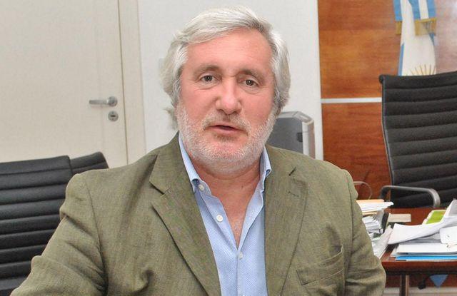 Procurador Julio Conte Grand.