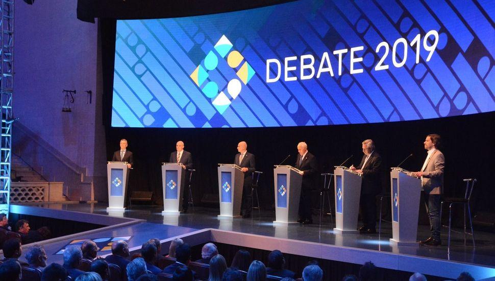 Críticas y elogios el día después del debate