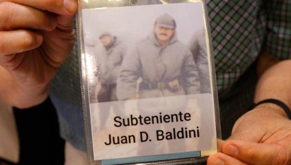 Malvinas: identificaron al soldado 115 del cementerio de Darwin