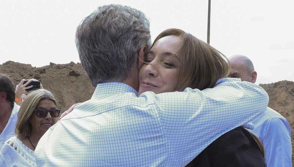 María Eugenia Vidal y Mauricio Macri hablaron por primera vez del tema de adelantar las elecciones bonaerenses, pero la cuestión quedó en plano de indefiniciones.