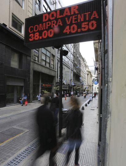 El dólar pegó un salto tras el discurso en el Congreso del presidente Macri.