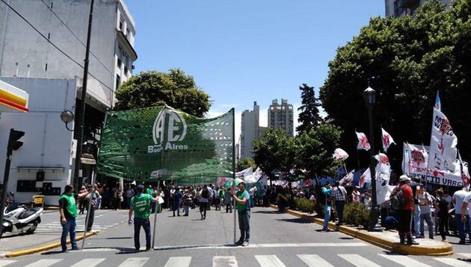 """El centro de La Plata """"blindado"""" por protestas contra el Presupuesto 2019: hay cuarto intermedio"""