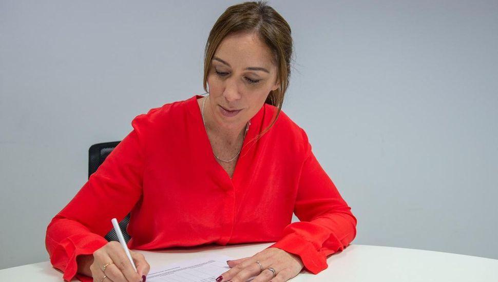 Vidal y Salvador firmaron sus candidaturas para la reelección
