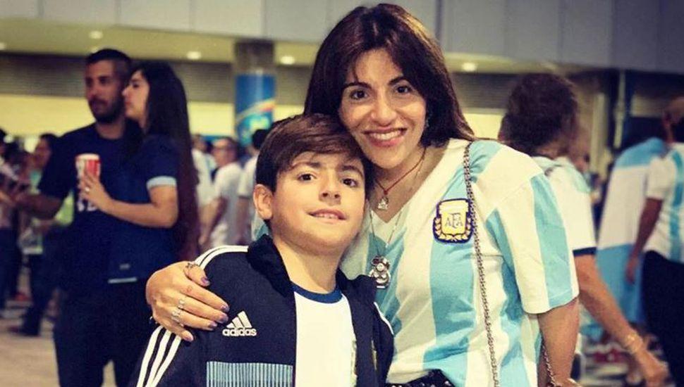 Gianinna Maradona sufrió un percance con su hijo después de ver a la Selección...¿y el Kun no la ayudó?