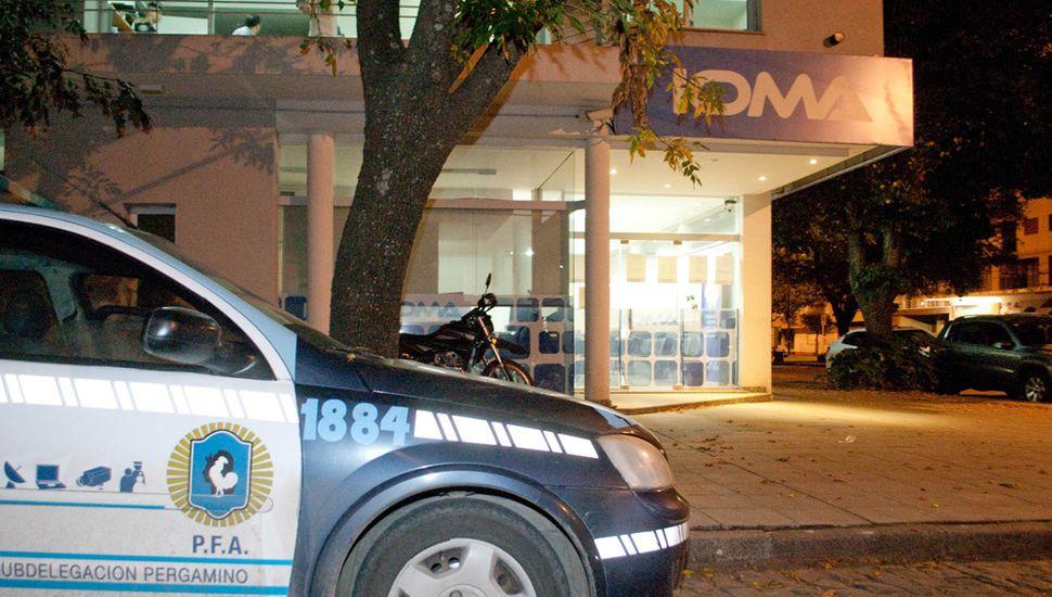 En febrero de 2016 la justicia ordenó allanamientos en IOMA Junín por posibles maniobras fraudulentas.