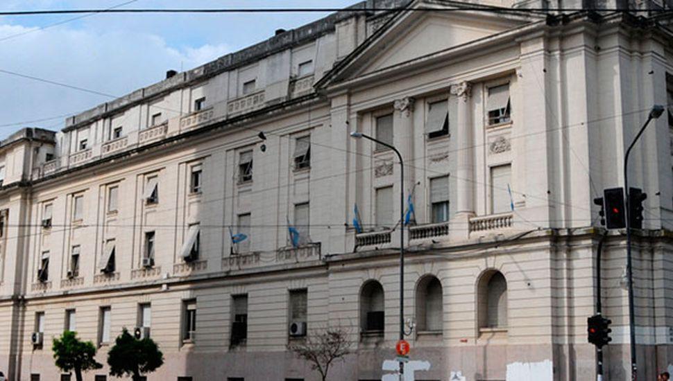 La Provincia propone adelantar pago de intereses para que bonistas acepten el diferimiento