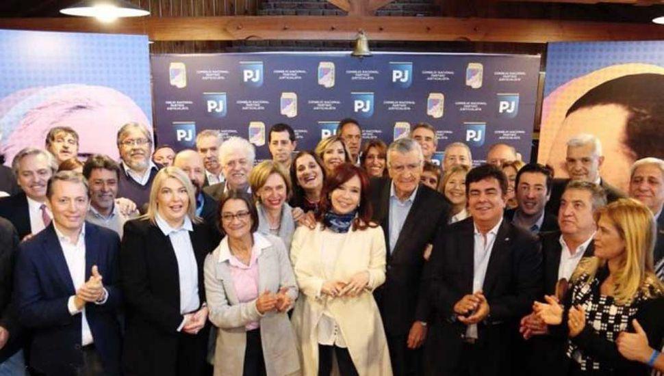 """Cristina fue al PJ y pidió armar una """"coalición grande"""""""