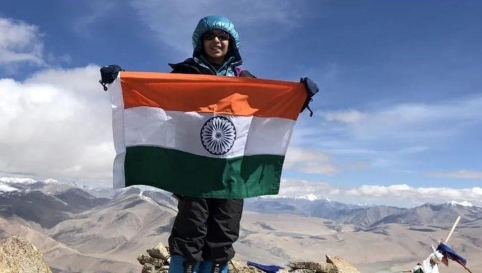 La nena india de 12 años ya está  en camino para subir el Aconcagua