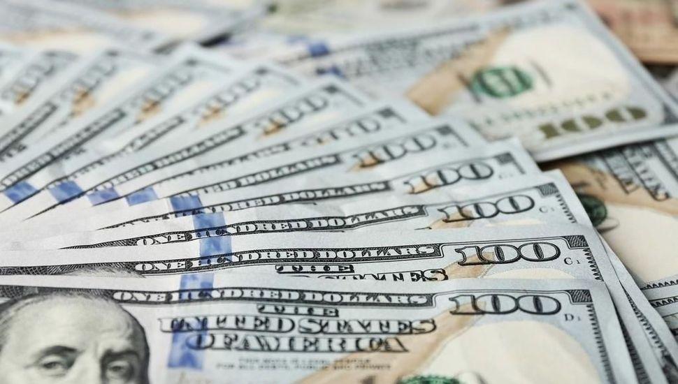 Suben todos: el dólar oficial, el blue, los financieros y el Riesgo País