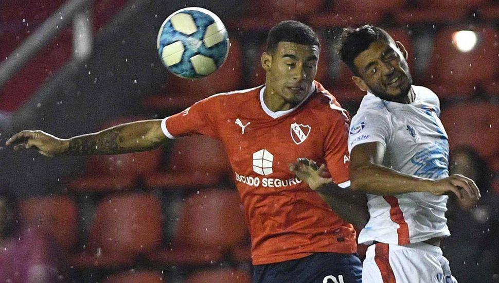 Independiente logró empatarle a Arsenal en la última jugada del partido.