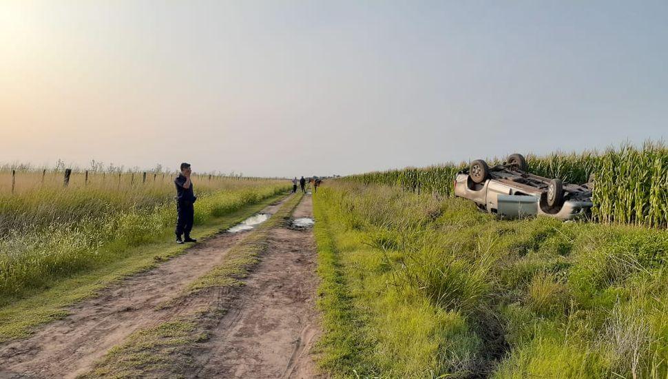 URGENTE: una vecina de Los Toldos perdió la vida tras volcar en un camino rural