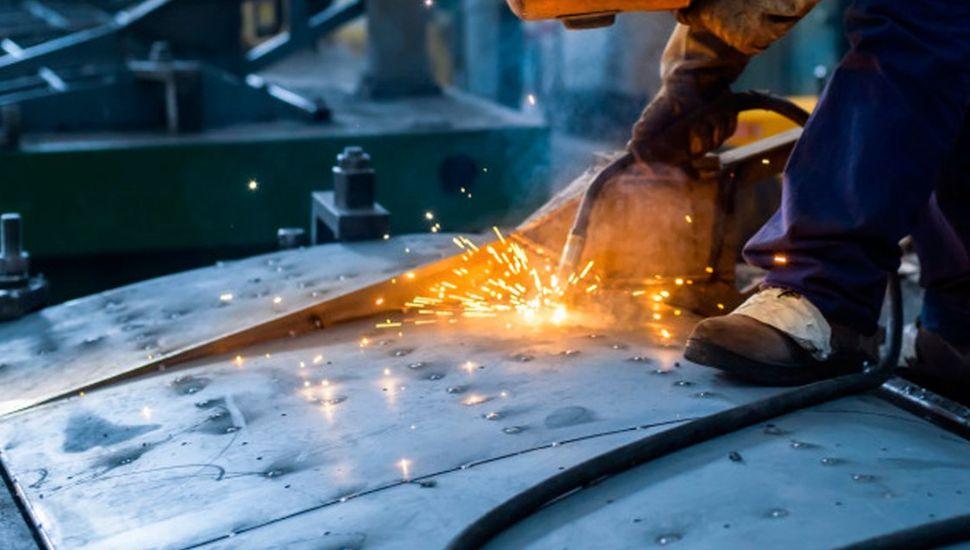 En 2019, la industria cayó un 6,4% y la construcción, un 7,9%