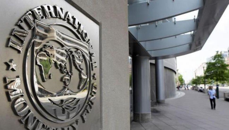 """El FMI dijo que la deuda argentina """"no es sostenible"""""""