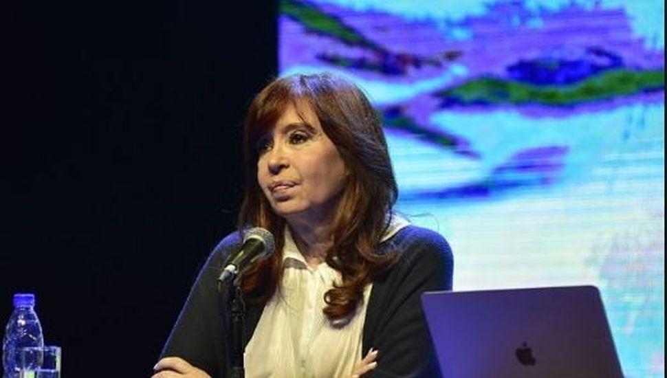 """Cristina Fernández Kirchner le cuestionó a Vidal la """"falta de sensibilidad"""""""