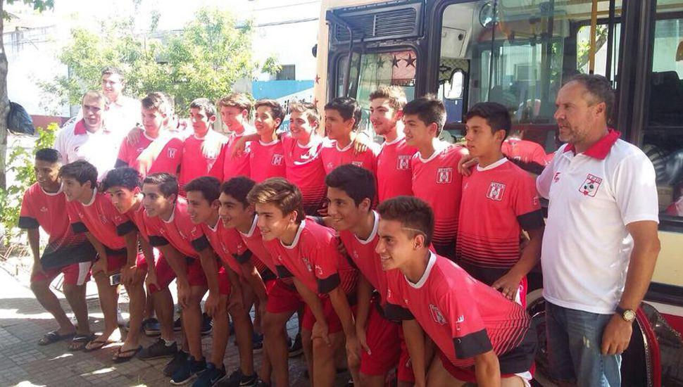 La delegación de Junín partió ayer desde la sede de la Liga Deportiva del Oeste.
