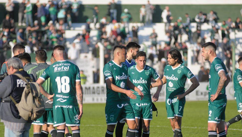 Sarmiento no pudo concretar y empató 0 a 0