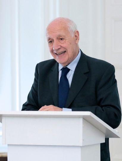 Roberto Lavagna presentó su propio acuerdo de diez puntos y criticó la propuesta del Gobierno.