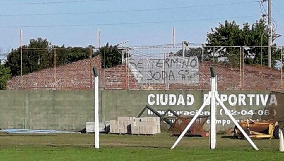"""""""Se terminó la joda"""", el mensaje para los jugadores de Sarmiento"""