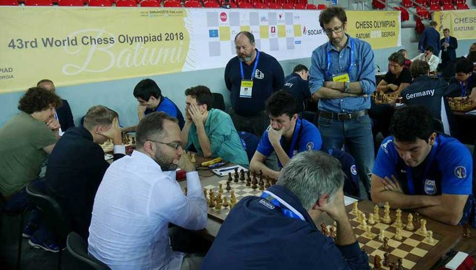 En la segunda mesa, Diego Flores logró una gran victoria ante el súper gran maestro ucraniano Pavel Eljanov.