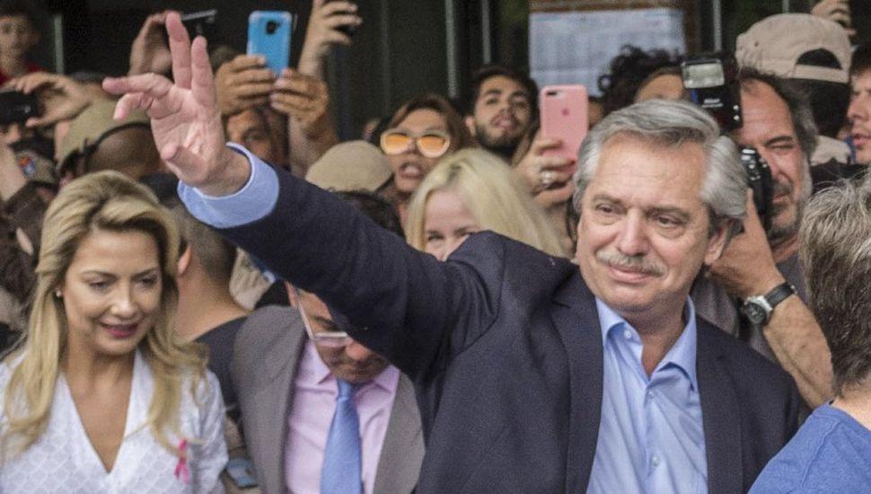 Alberto Fernández se impone en los comicios, pero con una ventaja menor a la de las PASO