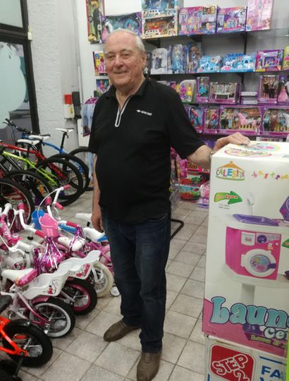 José Maulini comenzó con un local de reparación de bicicletas en 1966 y hoy su comercio es un emblema de la ciudad.