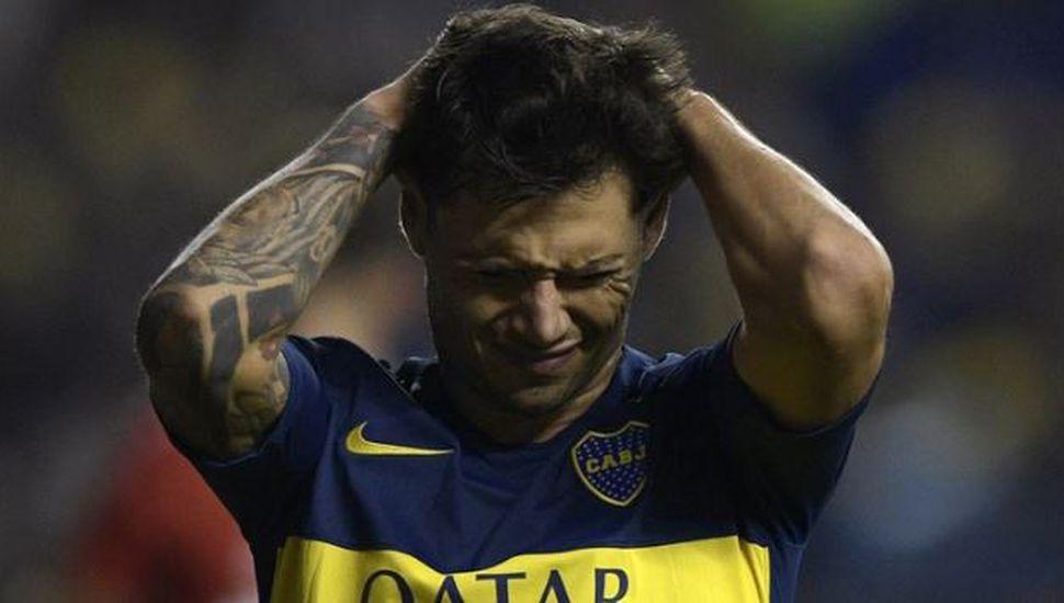Zárate fue insultado por la hinchada de Vélez hasta cuando se tocó el himno nacional
