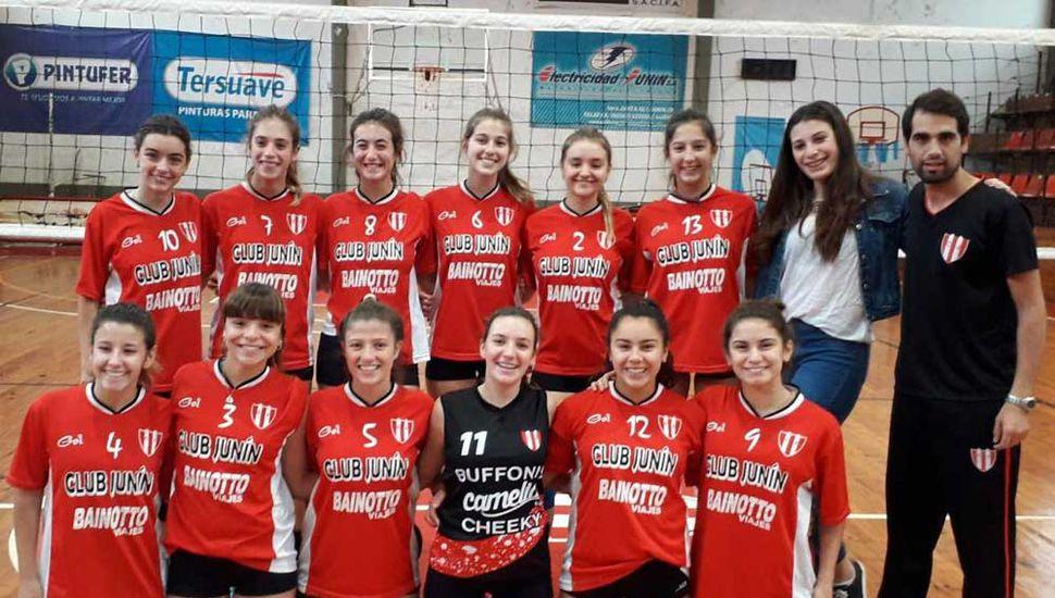 Plantel del Club Junín que animará desde hoy el regional de la Liga Provincial Bonaerense de vóleibol.
