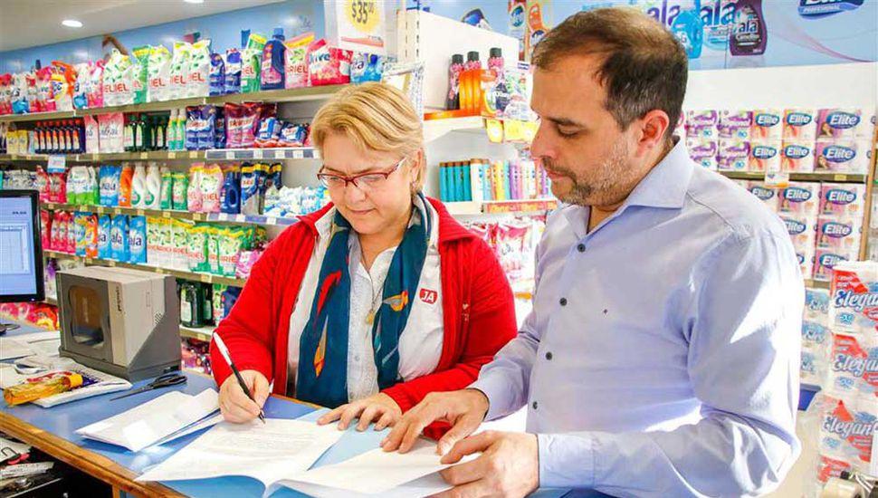 """El programa municipal """"Precios Locales"""" sumó a dos nuevos comercios del rubro limpieza y perfumería."""
