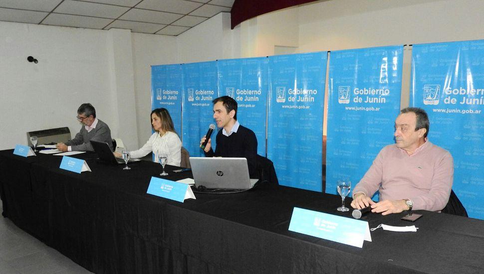 En conferencia de prensa, el intendente Pablo Petrecca confirmó el pase a la Fase 5 y dijo que