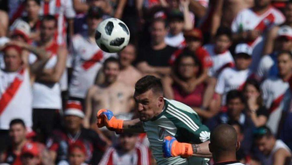 Gallardo tendrá al menos ocho bajas para enfrentar a Colón