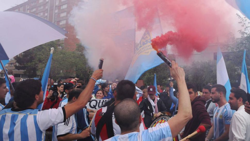 Deportaron a dos barras argentinos