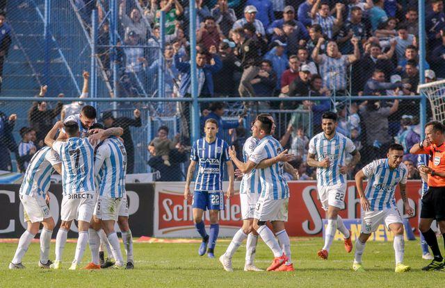 Atlético Tucumán festejó un gran triunfo.