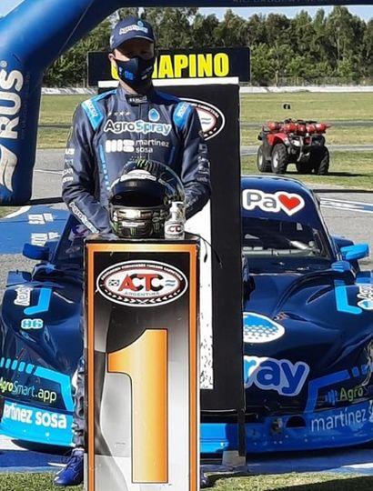 Agustín Canapino realizó el mejor tiempo ayer en La Plata y se lo dedicó a su fallecido progenitor, Alberto Canapino, cuyo nombre lleva el Gran Premio del Turismo Carretera.
