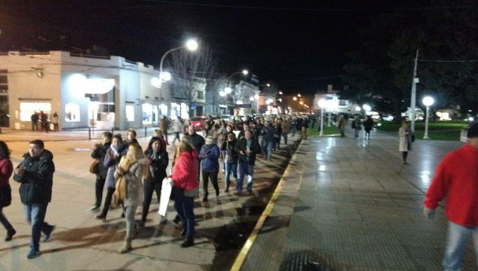 Cerca de 400 personas caminaron por las calles de Chacabuco.