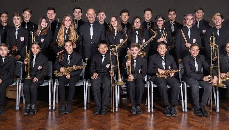 """Banda Juvenil Municipal """"Juan P. Oviedo""""."""