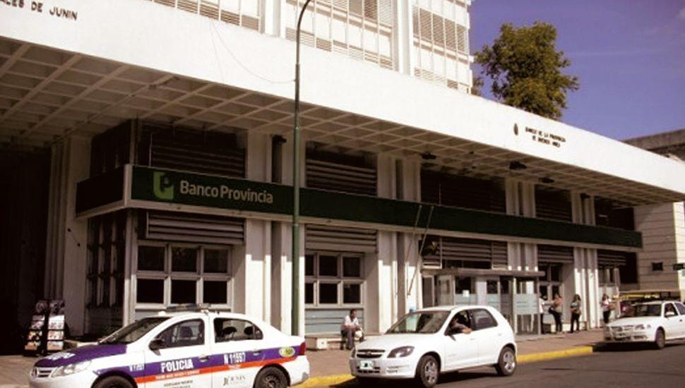 Bancarios, judiciales, docentes y municipales adhirieron a la medida del miércoles.