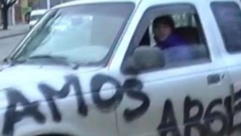 """Escribió en su camioneta """"vamos Argentina"""" tras el triunfo ante Nigeria"""